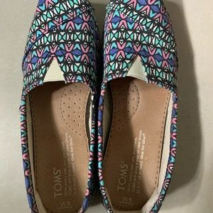 TOMS flats($30for both)